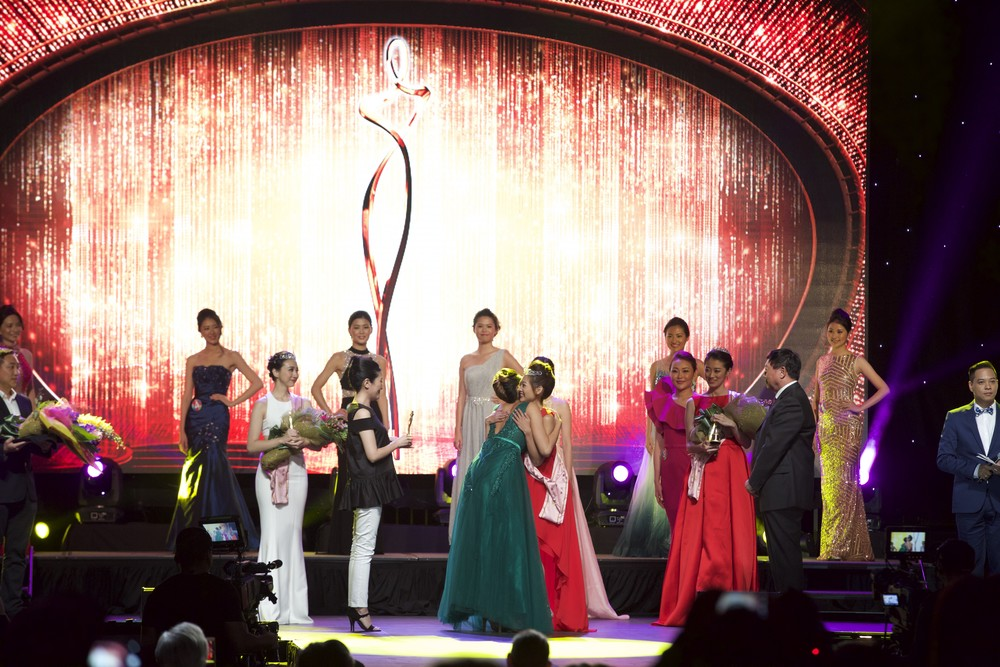 2015 Miss Chinese Cosmos Pageant of the Americas Winner, Wang Si Si