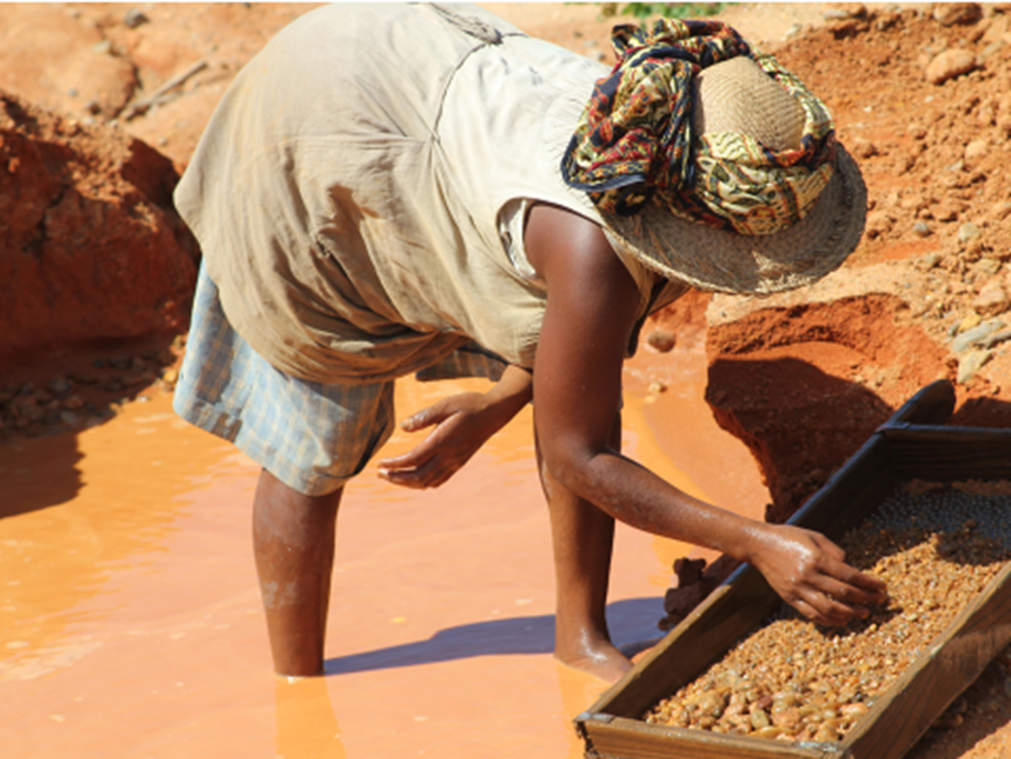 Woman sieving for sapphires in SW Madagascar (photo taken by Lynda Lawson)