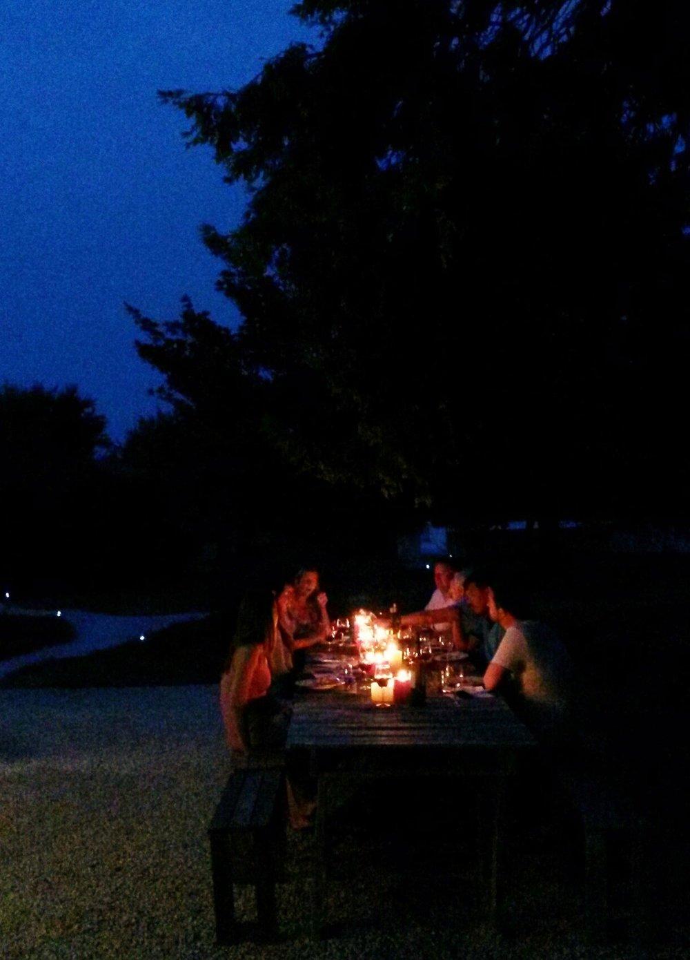 outdoor dining - Copy (2).jpg