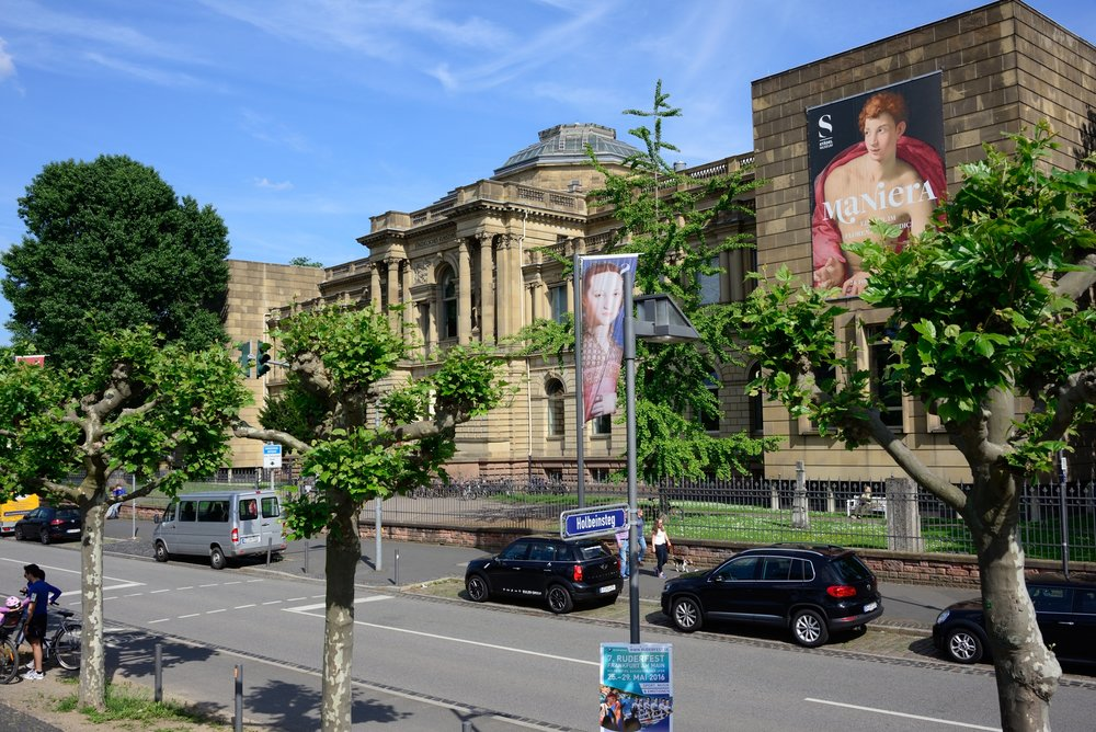 The Städel museum, opposite the Holbeinsteg (bridge) on the Museumsufer