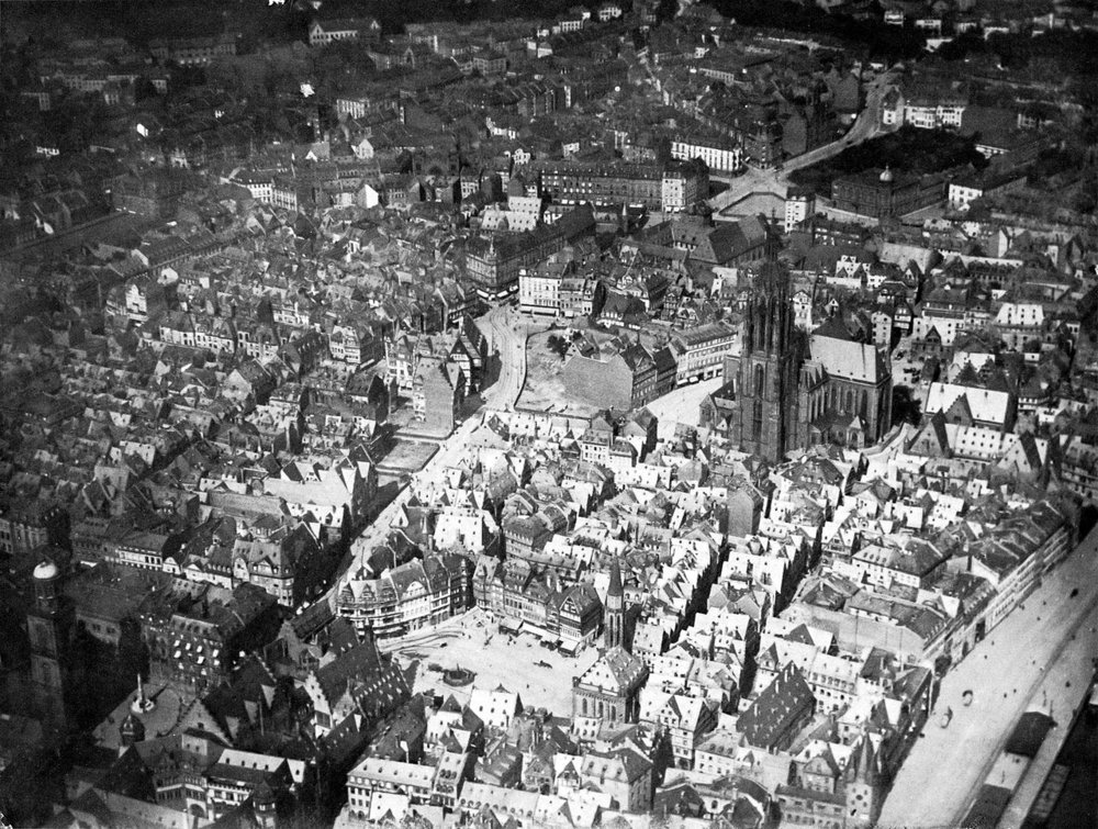 Aerial view of the Frankfurt Altstadt, Carl Sauerwein, 1911