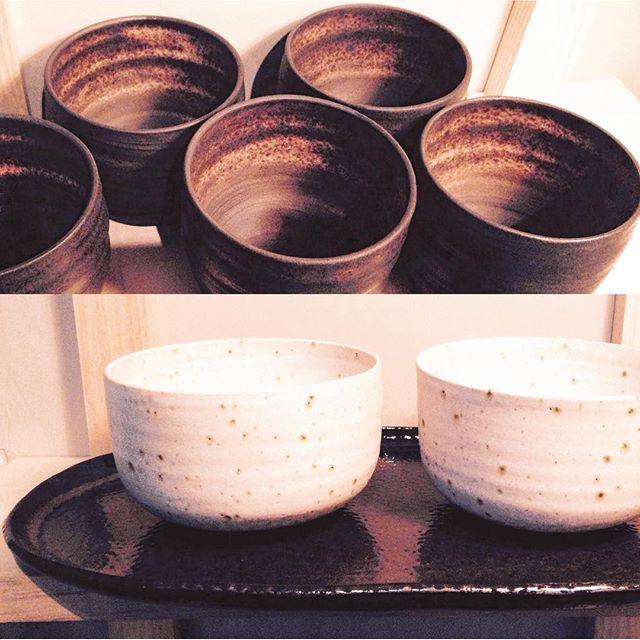 "Matcha ""nougat-stoneware"" and brown clay👇🏼 www.trinefournais.dk #trinefournaisceramics #ceramics #interior #design #matcha #cup #coffee #cafe #kitchenware #craft #copenhagen"