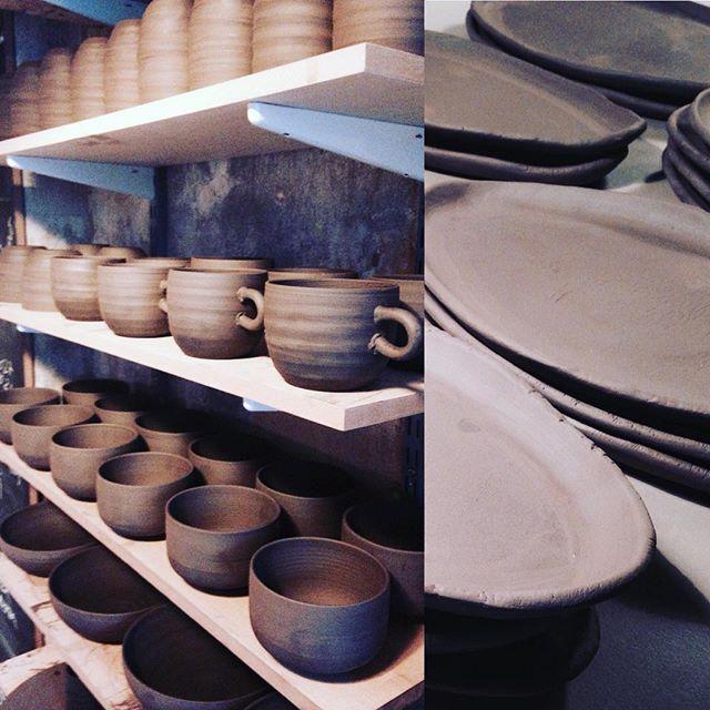 Spinning the wheel - Brown clay💛🎃🌰 www.trinefournais.dk #trinefournaisceramics  #ceramics #handmade #craft #matcha #ramen #coffee #tea #plates #interior #kitchenware #design #cups #frederiksberg #autumn #copenhagen