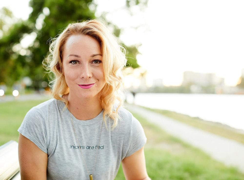 Amber Hawken 0919 1.jpg