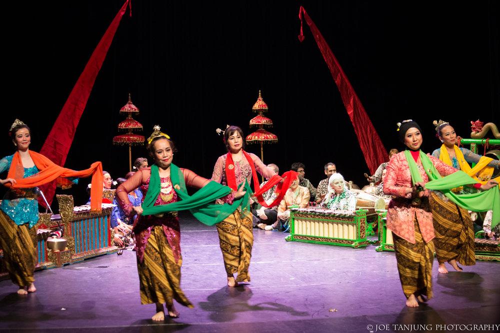 danse-indonésienne-java-atelier-jathilan-spectacle