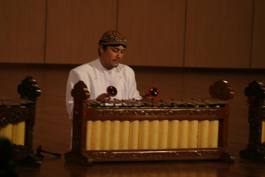 Photo prise lors du concours international de gender du 23 septembre 2012 à ISI Yogya