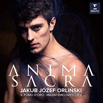 Jakub Józef Orliński - Ce jeune artiste a déboulé dans votre vie de mélomane comme par miracle. Vous êtes immédiatement tombé(e) sous son charme. Puis il a ouvert la bouche et depuis, c'est l'extase ! La voix est magnifique pour un répertoire parfaitement choisi. Le cadeau idéal pour fondre de bonheur à chaque note en célébrant votre amour de chaque instant.Jakub Józef Orliński - Anima Sacra (Warner Classics)