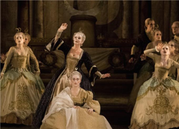 Hyppolyte et Aricie (1733) - RAMEAUQuand Rameau compose son premier opéra, il a 50 ans et les critiques de l'époque ont dit : Il y a dans cet opéra assez de musique pour en faire dix. Rameau ou l'inventeur du dix en un !© Agathe Poupeney / OnP