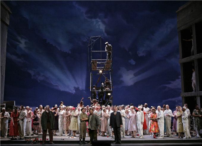 Fidelio (1805) - BEETHOVENUne femme courageuse qui se déguise en homme pour délivrer son mari détenu. Une splendide ode à la liberté et à l'amour conjugal, c'est tout cela Fidelio, le seul opéra de Beethoven.© Ken Howard / Metropolitan Opera.