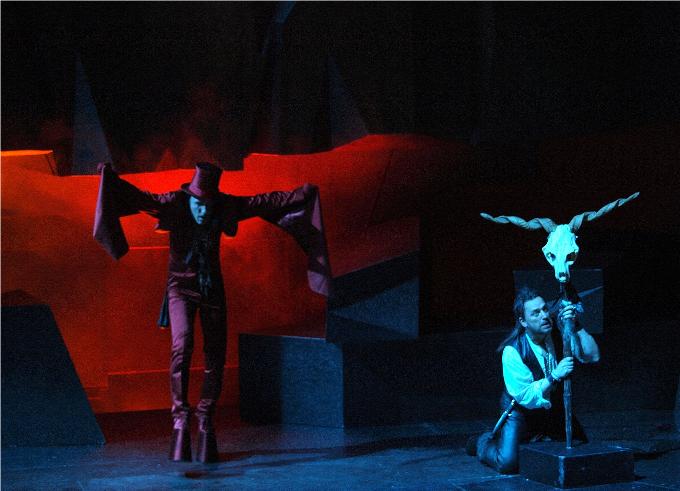 Der Freischütz (1821) - WEBERL'opéra s'adresse à tout le monde, même aux chasseurs. La preuve avec le Freischütz (le franc-tireur en français) où notre héros conquiert sa belle lors d'un concours de tir aux pigeons ! Véridique !© Theater an der Wien / Armin Bardel