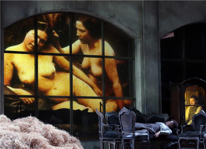 Die Soldaten (1965) - ZIMMERMANNC'est un véritable coup de poing. La musique est d'une violence extrême mais l'expérience est inouie car Zimmermann qui a exploité toutes les ressources de l'art lyrique est un incroyable compositeur classique.© Teatro alla Scala