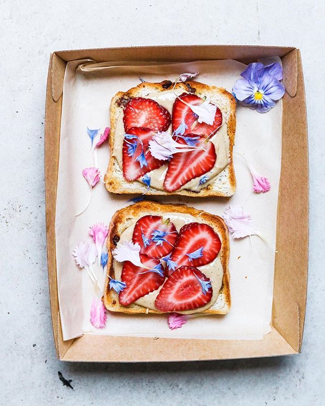 strawberry + cashew butter toast by  @sobeautifullyreal 🍓🍞💘 we've been fighting jet lag and catching up with orders since being back! happy new year to all our nutty buddies out there ✨ #2019 #happynewyear