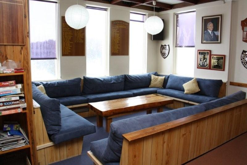 southern alps lodge5_lounge.jpg