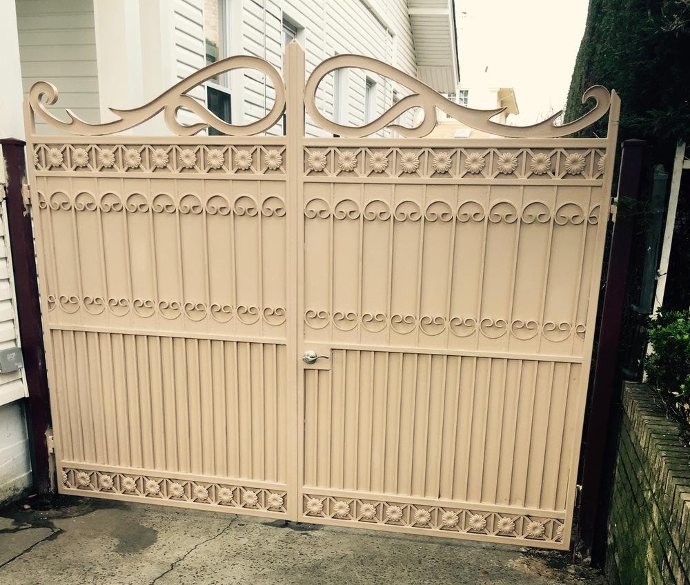 classic gate