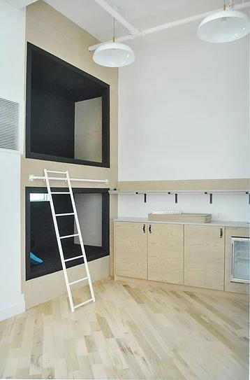 Black & White Contemporary Office Resting Booth