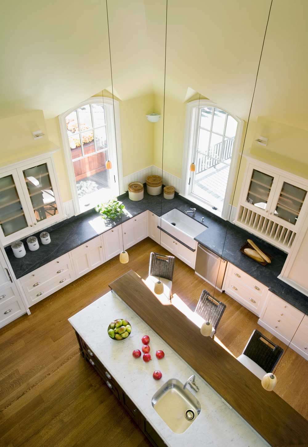 DNE_Doreve_RI_10_07_kitchen_from_above.jpg
