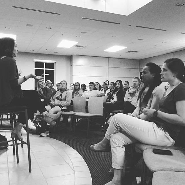 Loved getting to share a bit last night about real life after college with a bunch of bright, driven young women at @lipscombuniversity! ❤ @aliciadalee @lipscombwsoc #howtoadult #adulting 😂