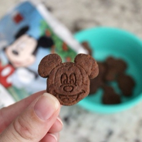 The only cookies jolly enough for the big guy🎅🏽. Get ready for XMas morning with Mickey Animal Crackers available on @amazon with link in bio.