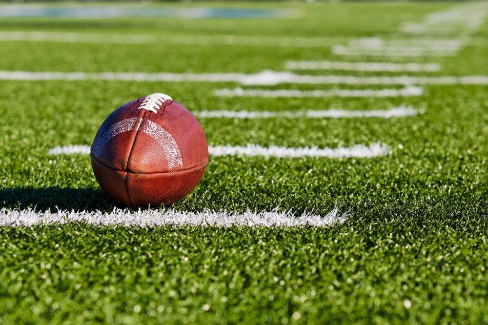 Atlanta_Falcons_training_camp_scrimmage,_July_2016_4.jpg