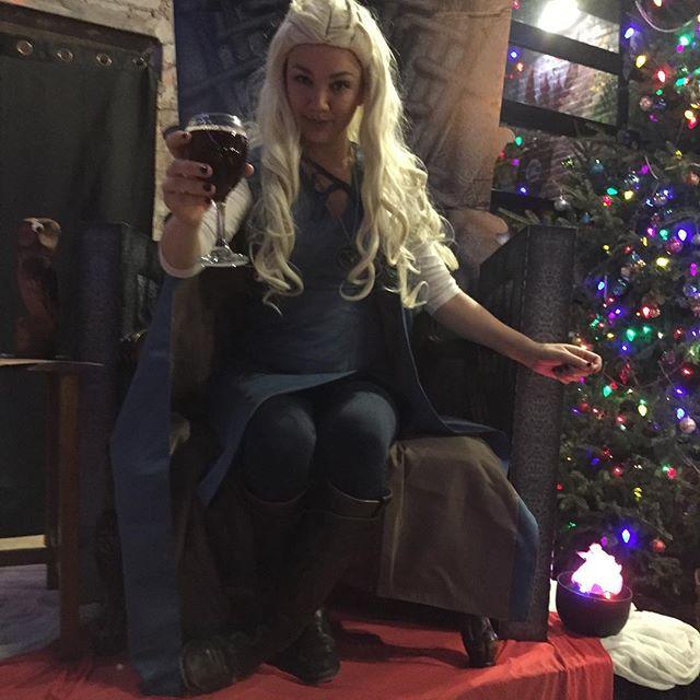 Played #gameofthrones #murdermystery #host tonight @evilgeniusbeer. Always a good time!! #daenerys #valarmorghulis #motherofdragons #actor #actorslife