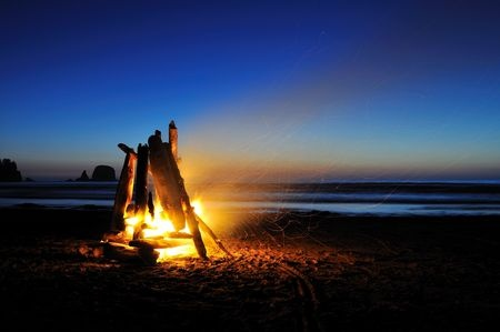 Saturday Evening - 6:00 pm Catered Dinner at Hashpitality SuiteSundown Bonfire- get your vessels, camping chairs, and cozy clothes to snuggle up and sit on the beach by the fire. 11:30 pm - 1:30am Hashpitality suite open