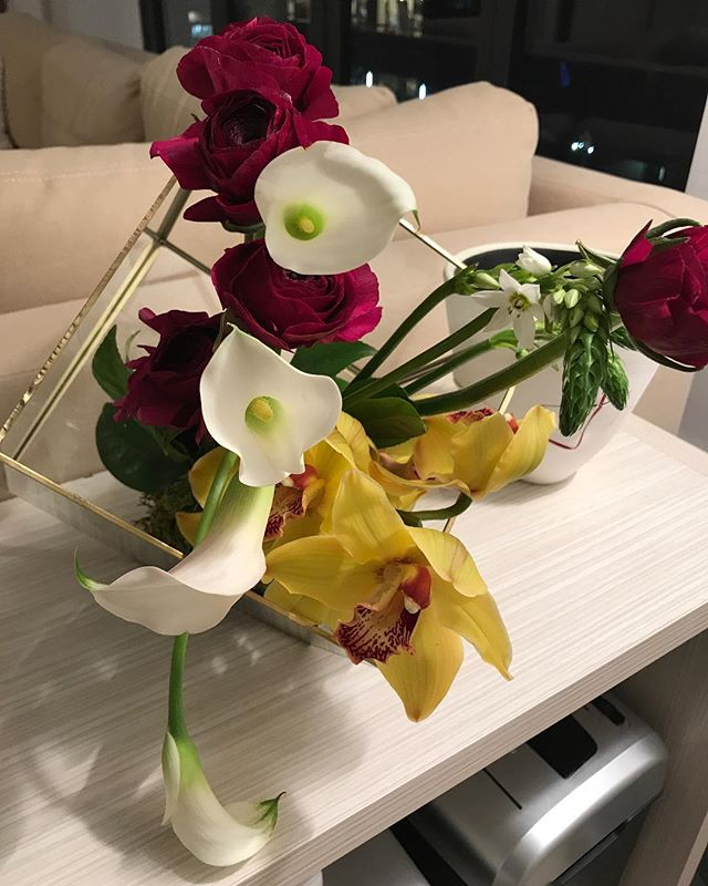 Some of our weekly #flowers go to residential homes! #bydweeklies #nyc #nycliving #weeklyflowers #flowerdeliveries