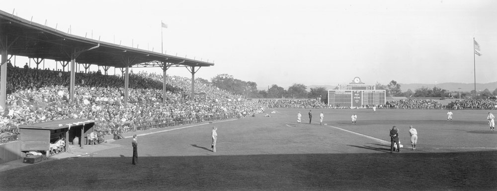 A capacity crowd fills Rickwood Field in 1929. (Glynn West)