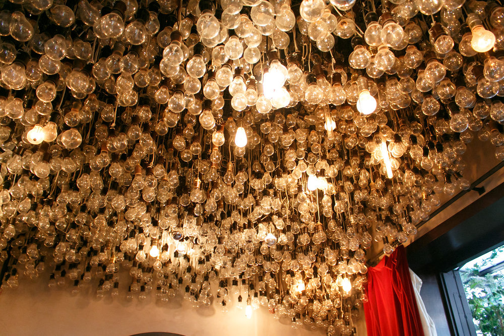 The AMAZING light bulb ceiling. Photo by David Keith.