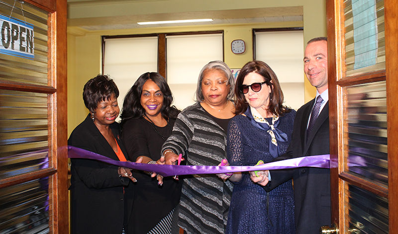 L to R: Allesia McGlocton – YWCA, Curtis France – YWCA, Emma Peterson – YWCA, Lori Weinstein– JWI, Eric Spadafora – Verizon