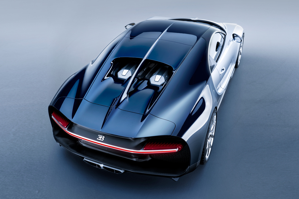 2017-Bugatti-Chiron-rear-top-view.jpg