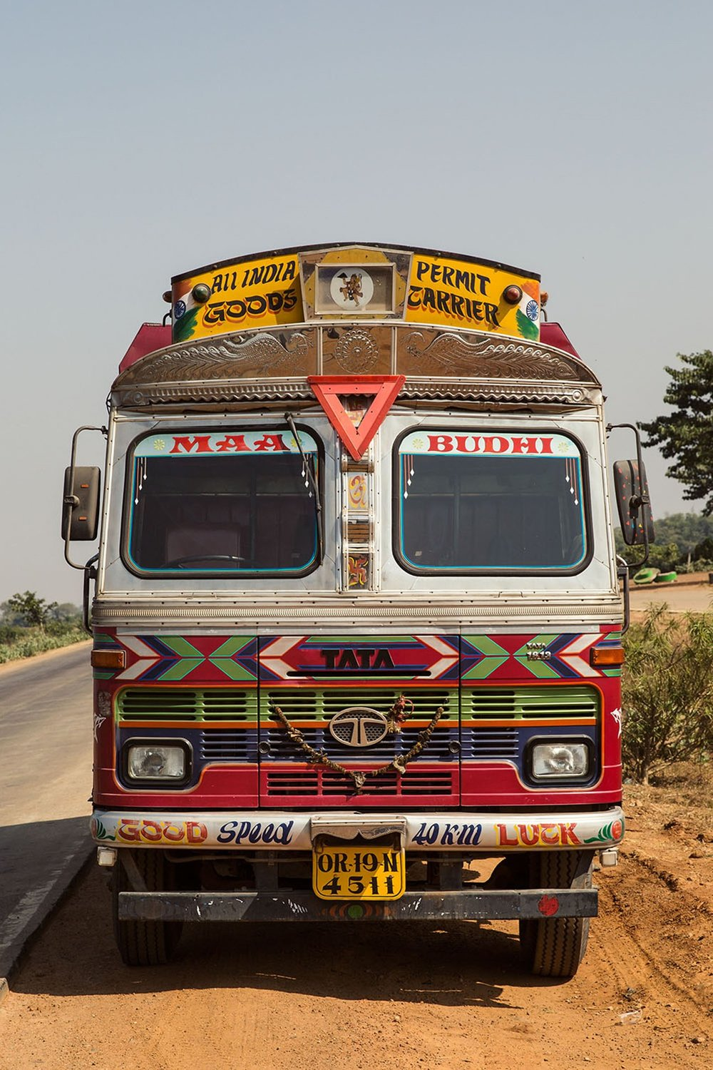 horn-please-the-decorated-trucks-of-india-7-conde-nast-traveller-18nov14-dan-eckstein.jpg