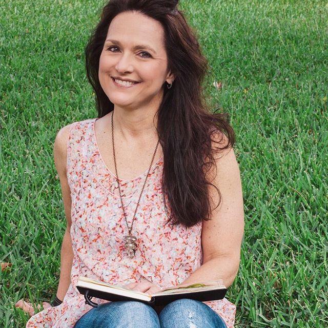 Roben Marie Smith for True Colors with Kellee Wynne Studios.jpg