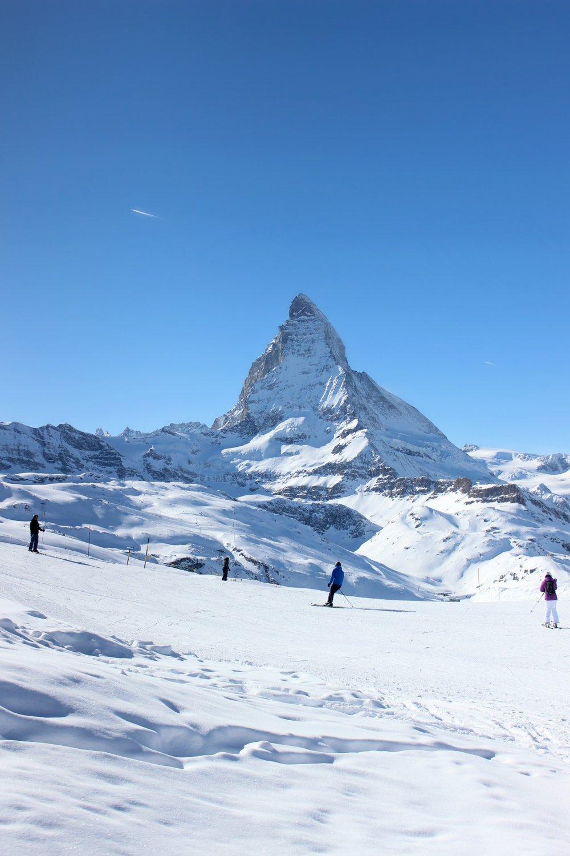 snow-matterhorn-ski-blue-sky.jpg