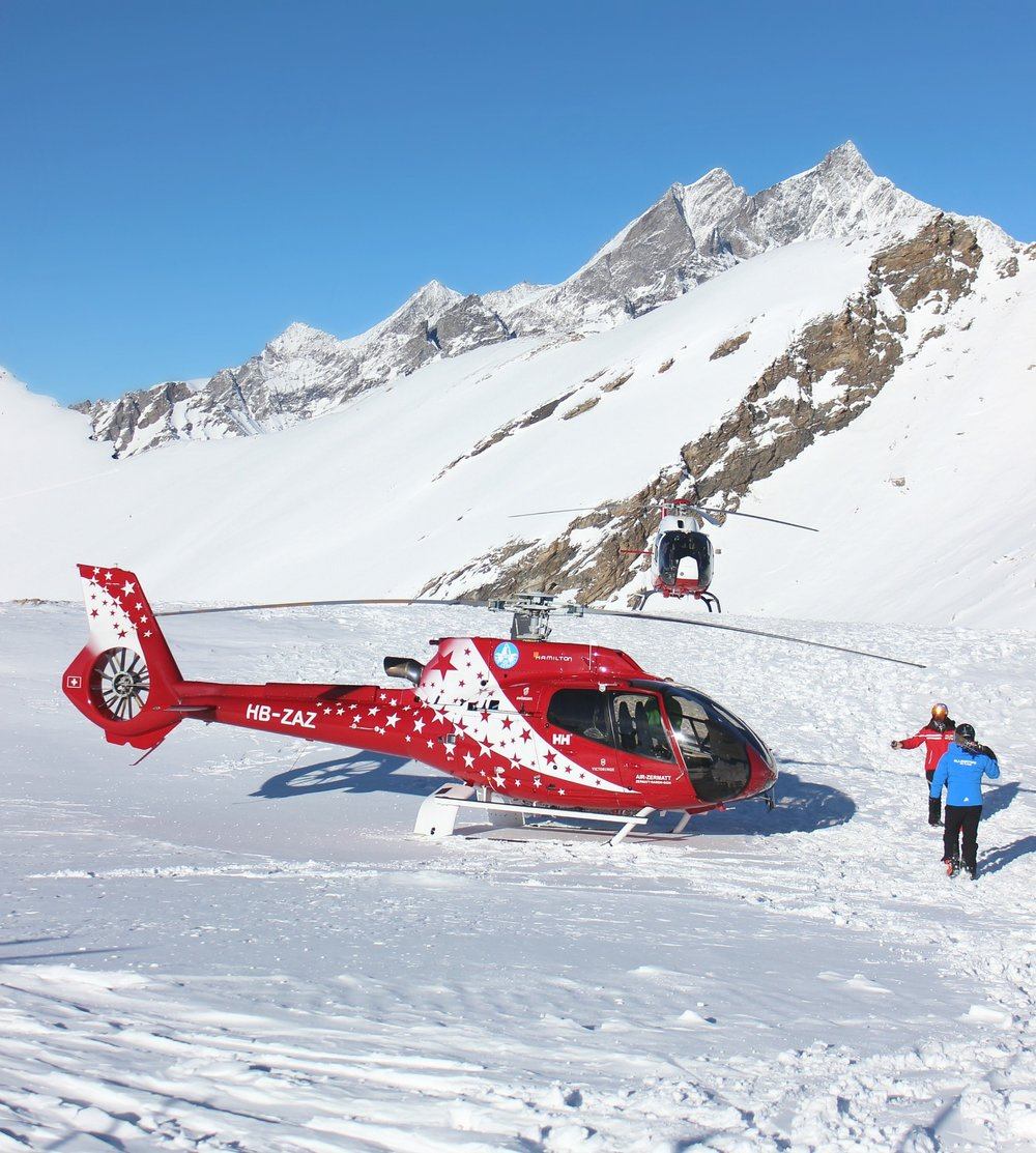 snow-rothorn.helicopter-red-zermatt.jpg