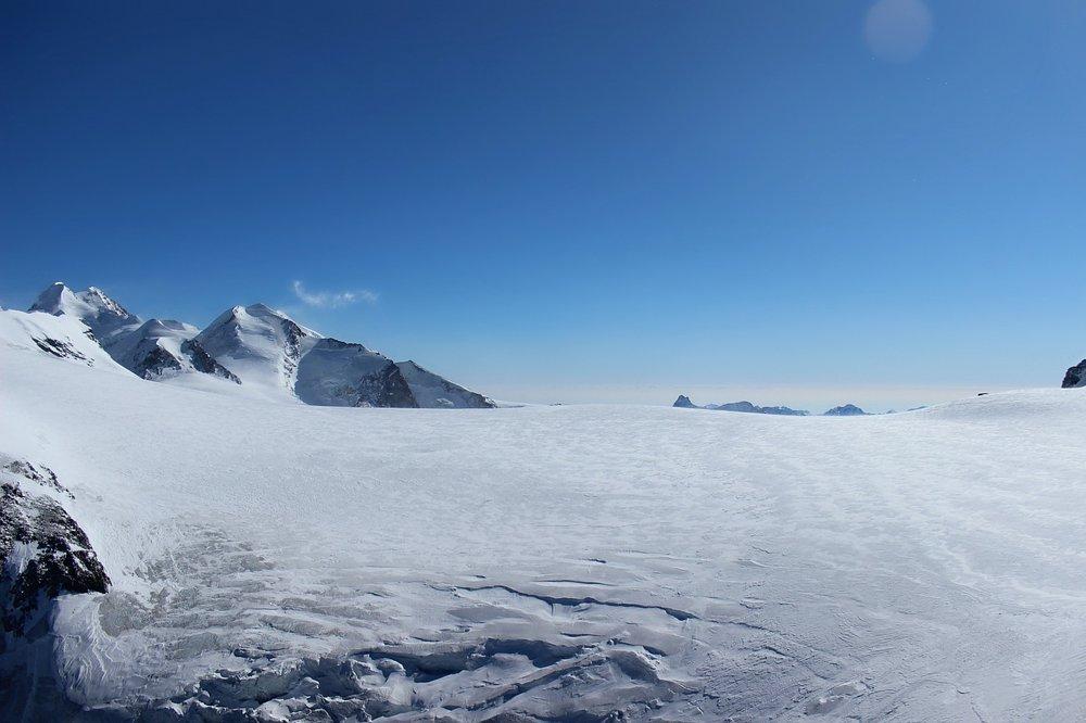 snow-zermatt-klein-matterhorn.jpg