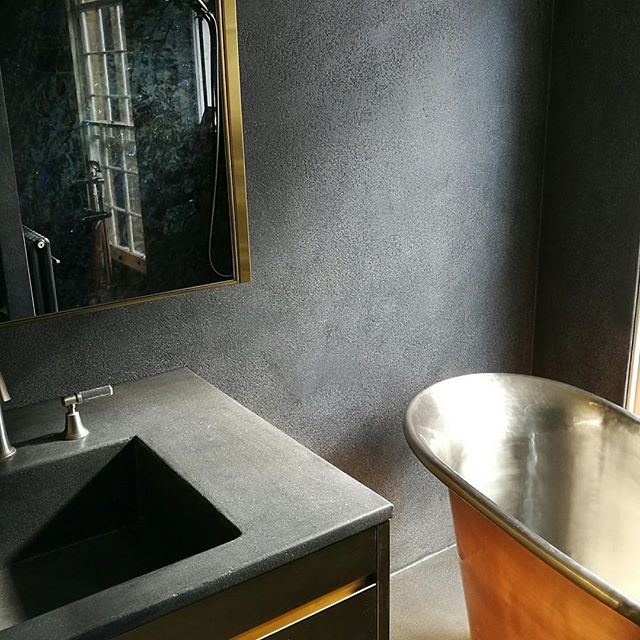 Bathroom in #Kensington completed a few months ago. Looking great. #igers_london #architecture #decor #interiors #plaster #design #microconcrete #domestic #decorativeconcrete #residentialarchitecture #ihavethisthingwithwalls #polished #interiordesign #concreteeffect #ihavethisthingwithfloors #concrete #ArtstoneConcrete #floors #walls #surfaces #granite #microcement #concretedesign #concretelife #varnish #London #prettylittlelondon