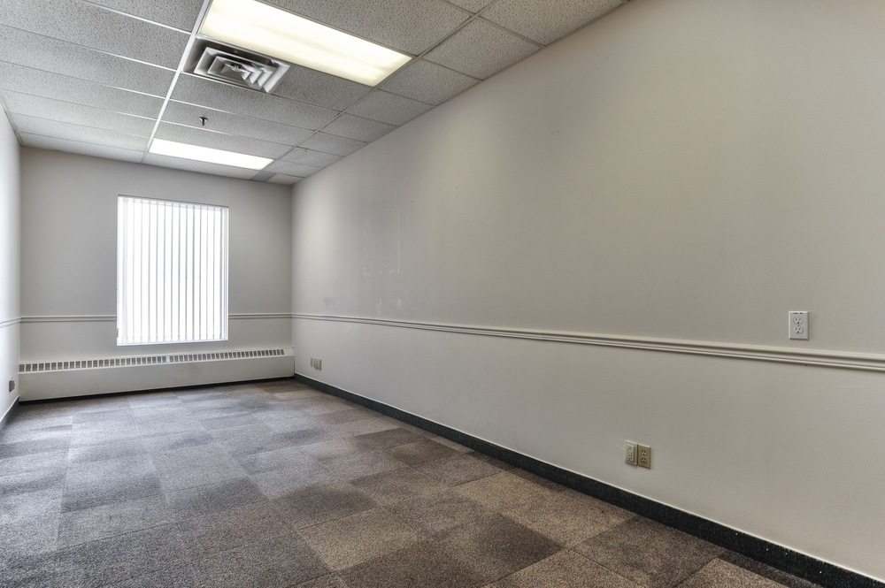 700 sq. ft. starting 12$/sq. ft.   plus taxes & services  *example space    Contact us now!