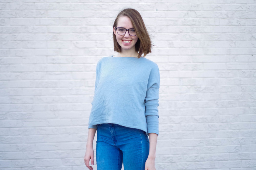 You can sew your own cozy blue boatneck sweater like this using a FREE pattern! Click through for the full, illustrated tutorial.