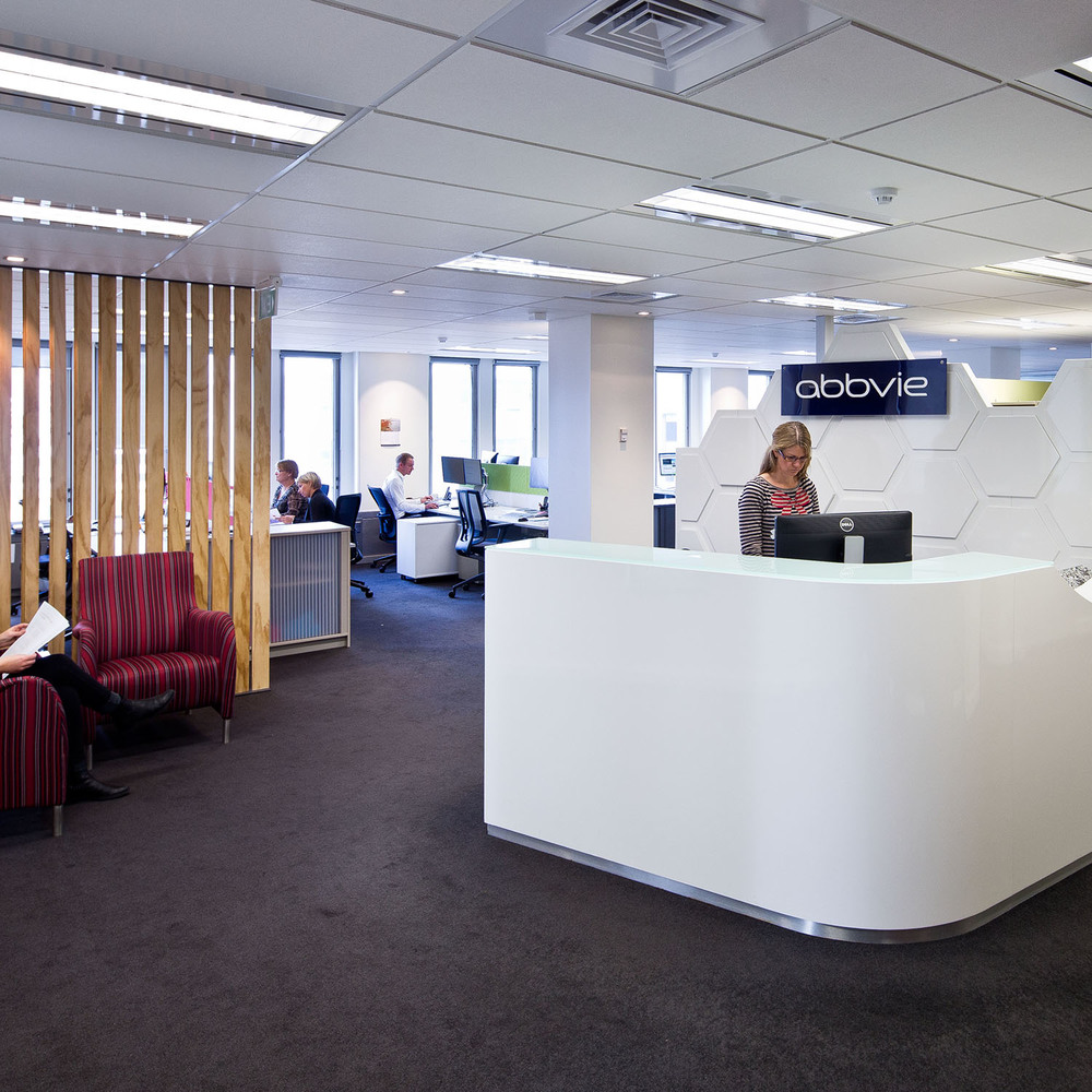 AbbVie -   Office Fitout   S&T provided this global bio-pharmaceutical company with an office layout and new interior which supported its innovative and collaborative working culture.