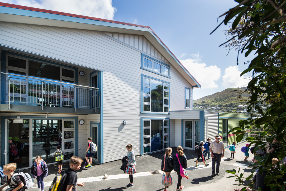 Ngaio Primary School Block B Ngaio School is set on 1.89ha and has a roll of approximately 500 students. S&T was initially tasked with developing a brief through working with the school and their key stakeholders and turning this in to a master plan aiding the development of a 10 Year Property Plan and allocation of 5ya funding.