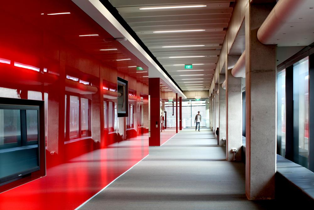 Building303_Hallway01_L.jpg