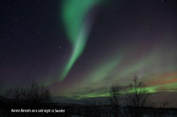 northern-lights-225454_1920_600_398_85.jpg