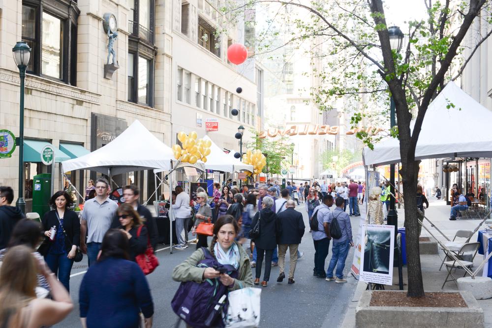 Rittenhouse_Festival_2015-1.jpg