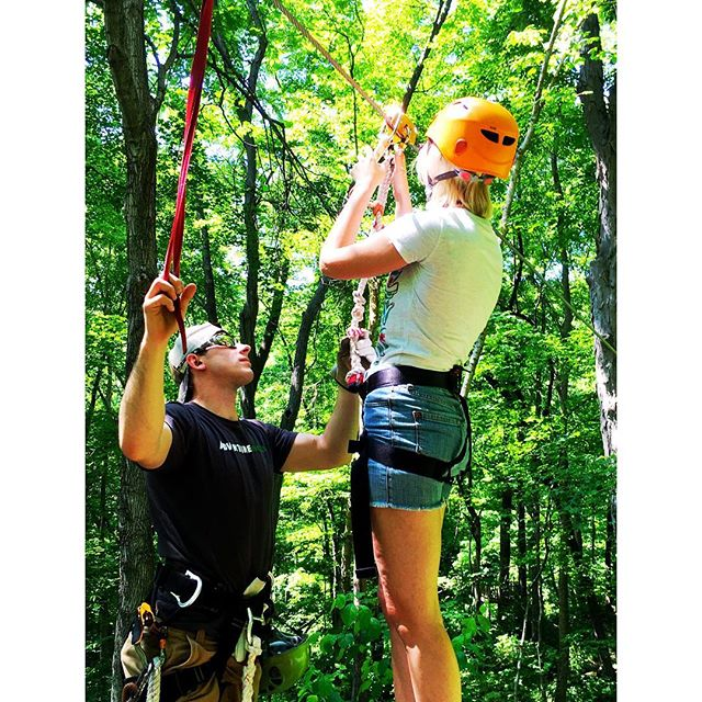 ✌🏼️🎉☀️And just like that, I'm home from a dazzling adventure! An unforgettable moment: flying (ok, zip lining) through the gorgeous tree tops of Nashville! ✨ #nashville #travel #blogger #plottwist