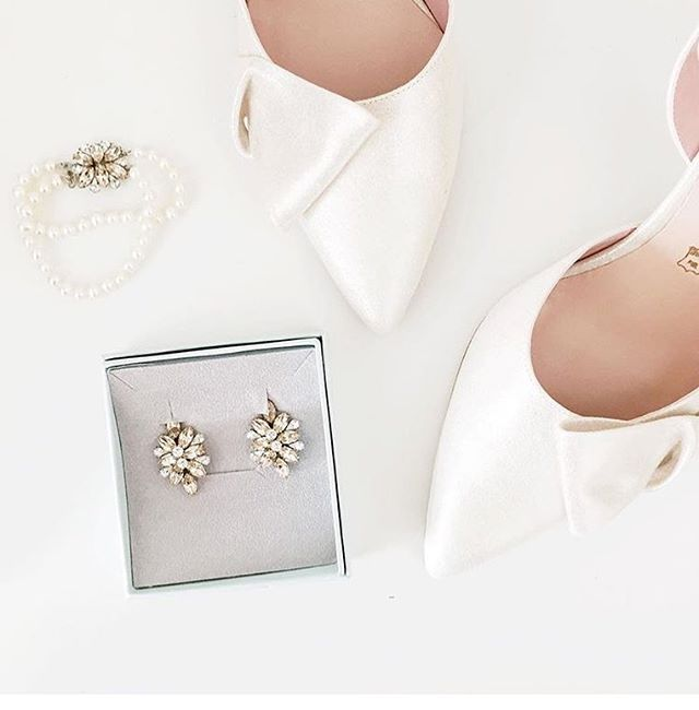 Scrolling through my photos and finding this beautiful photo of @aliciafashionista's #ElsaCorsi wedding jewelry is the perfect way to start Sunday!