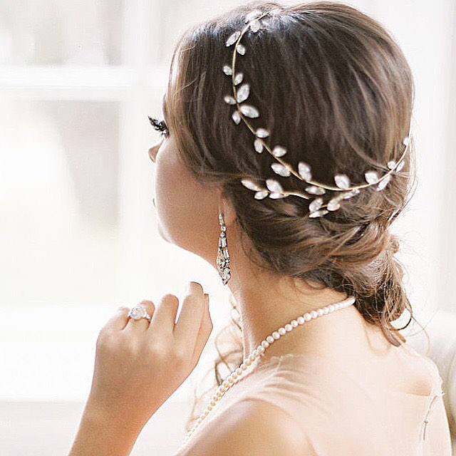 Summer brides, have you picked out your final styling details yet? We are kind of in love with this new #ElsaCorsi Halo available to try on and customize in shop! Open Tuesday-Saturday until 6pm . . . Photo Credits: Creative Direction: @thewhitebookcompany  Photography: @artiesestudios  Gowns and Boudoir Separates: @valencienneto  Beauty: @fancyfaceinc  Jewels: #Elsa Corsi @jewelietteshop  Flowers: @openingnflowers  Furniture Rental: @contemporaryfurniturerentals  Venue: #MacleanHouse, @estatesofsunnybrook  Model: @evahanleyy / @elmerolsenmodels