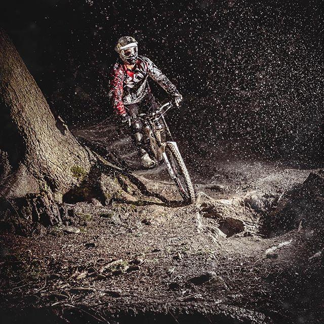 Little throwback in to the 2011 with my pal @tatankac on his #mountainbike in #austria. It was taken with old #nikon d700 . . #mtbart #mtblife #mtbiking #downhill #fox #pocsports #foxracingshox #foxracing #freerider #freeride #mountainbiking #mountainbike #rockshock #scottbikes #rideabike #redbull #redbullrampage #imspecialized #roadbike #mountainbikelifestyle  #sickserie #mtbikingpost #wintermtb #scott #lovesscottbikes #mtblove #mtblovers #maxxiswhitewall