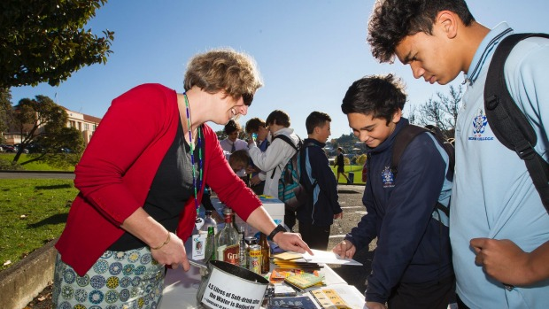 Rebecca Greig, Nelson Bays Primary Health Youth Alcohol and Other Drugs Clinician, left, talks to Jackson Tarapipipi andTaonga Akuhata about the effects of cannabis and alcohol on the brain during the Teen Health Festival at Nelson College.