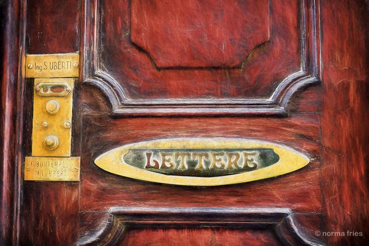 """IT212: """"Venice: Lettere"""""""