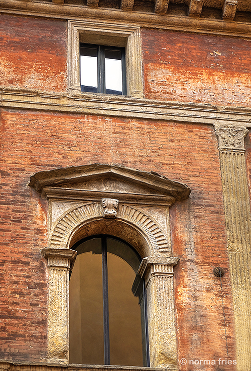 """IT240: """"Rome: wall with faux column"""""""